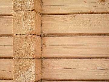 Особенности постройки стены из бруса