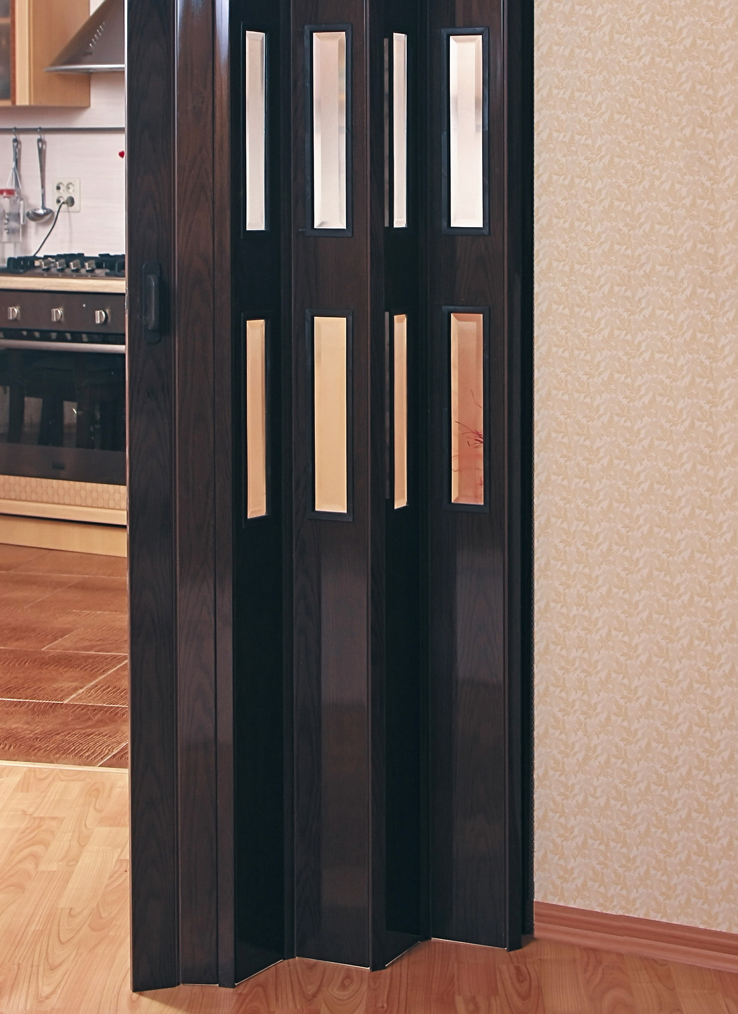 Про складные двери-гармошки